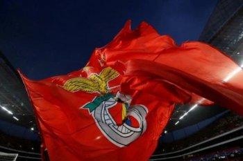 Bus tim Benfica dilempari batu dan lukai pemain