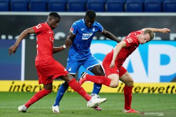 Pemain Leipzig Klostermann segera jalani operasi lutut