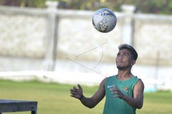 Pemain Bali United latihan secara mandiri