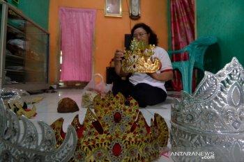 UMKM kerajinan pembuatan Siger Lampung mulai bangkit
