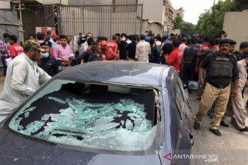 Granat meledak saat demonstrasi Kashmir di Karachi, 30 orang luka-luka