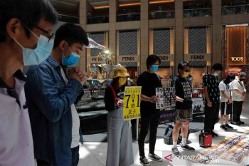 Kepolisian Hong Kong tangkap demostran, pertama di bawah regulasi baru
