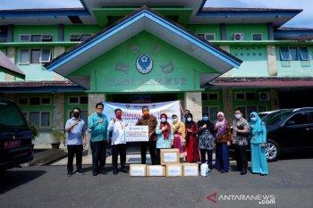 Satgas BUMN Bengkulu salurkan bantuan APD ke RSUD Argamakmur