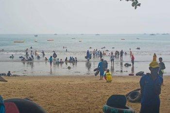 Cegah Corona, pengelola wisata Pantai Carita terapkan protokol kesehatan