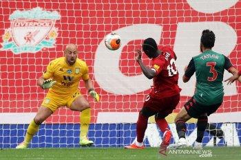 Bungkam Villa 2-0, Liverpool dekati rekor laga kandang