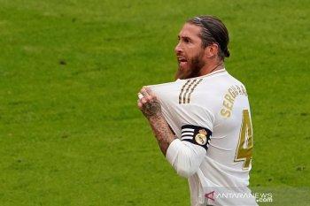 Liga Spanyol: Real Madrid, Barca masih dipisahkan empat poin