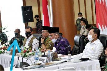 Menko PMK dan Menkes cek penanganan pandemi COVID-19 di Ambon