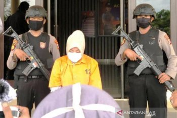 Tipu nasabah Rp3 miliar, seorang karyawati bank ditangkap