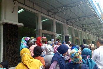Gadaikan Kartu Jakarta Pintar, ratusan wali murid terancam dicabut hak penerimaannya