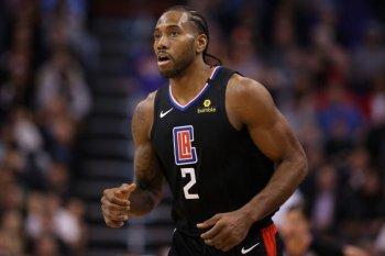 Forward Los Angeles Clippers Kawhi Kawhi Leonard tak berangkat bersama tim ke Orlando