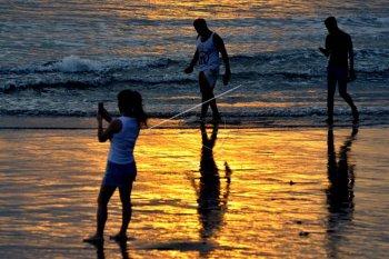 Pantai Kuta dibuka kembali