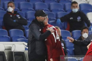 Juergen  Klopp pastikan Henderson tetap angkat trofi Liga Premier walau cedera