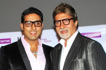 Bintang Bollywood  Amitabh Bachchan dan putranya positif COVID-19