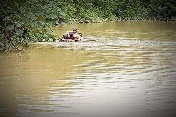 Perjuangan penyuluh pertanian terobos banjir setelah terjebak empat hari saat bertugas