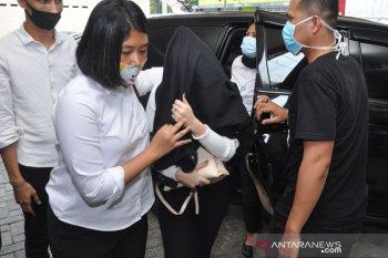 Hana Hanifah ditahan, Kuasa hukumnya datangi Polrestabes Medan