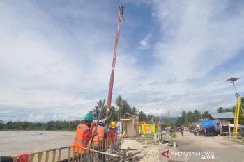 PLN cabut tiang listrik di bantaran sungai Dolago