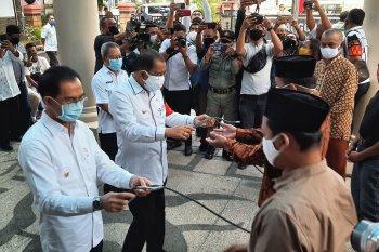Pemkot Ambon salurkan 67 ekor hewan kurban ke masjid