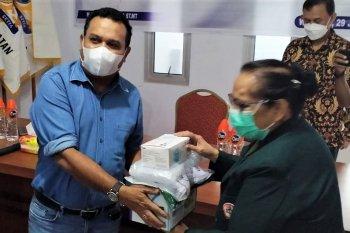 Kadin Maluku bantu warga dan tenaga medis terdampak COVID-19 di Ambon