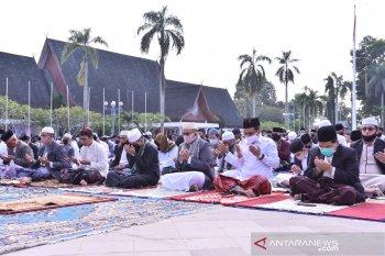 Pemkot Jambi gelar sholat Ied dan kurban di lapangan kantor wali kota