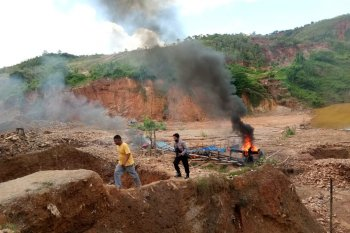 Perlu kajian untuk pembukaan tambang emas di Gunung Botak Maluku