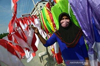 Jelang HUT RI penjual bendera mulai bermunculan