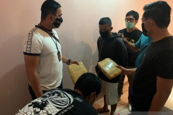 Polisi temukan 75 Kg ganja disimpan dalam makanan dodol di Jakarta