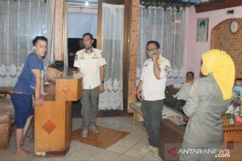 PSBB masih diperpanjang, belasan usaha panti pijat di Sentul Bogor ditertibkan (video)