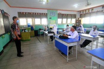 Kemendikbud minta daerah tutup kembali sekolah jika penularan corona meningkat