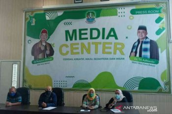 1.888 paket bantuan Presiden disalurkan untuk buruh ter-PHK di Kota Bekasi