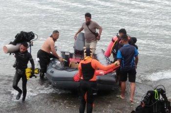Puluhan penyelam cari warga Amerika Serikat hilang di perairan Ambon