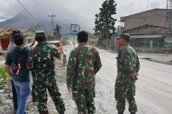 1.500 masker kepada masyarakat cegah dampak abu vulkanik  Sinabung