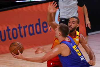 Jokic dan Murray komandoi Nuggets jegal Jazz lewat raih kemenangan tipis 134-132