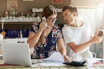 Berikut strategi agar keuangan keluarga tahan goncangan saat resesi