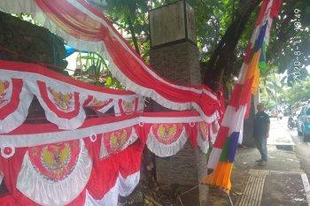 Penjualan pernak pernik HUT Proklamasi RI di Ambon sepi