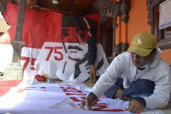 Pemuda Badung-Bali buat layang-layang bernuansa kemerdekaan