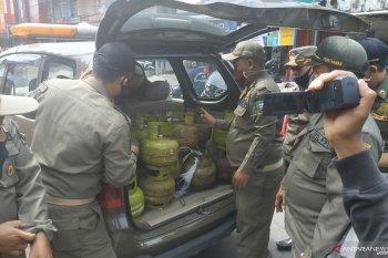 Polres Mempawah tangkap dua penjual ratusan tabung elpiji subsidi secara ilegal
