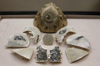 Masker COVID termahal, dihiasi ribuan berlian harganya 1,5 juta dolar AS