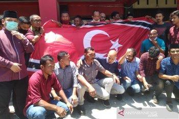 Partai Aceh kibarkan bulan bintang