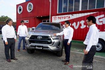 Toyota menilai kendaraan listrik semakin diminati di Indonesia