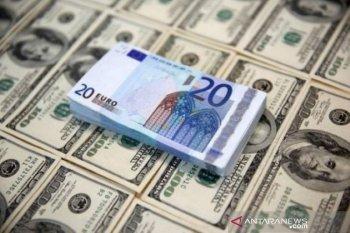 """Dolar menguat dipicu lonjakan kasus COVID-19, """"lockdown"""" di Eropa"""