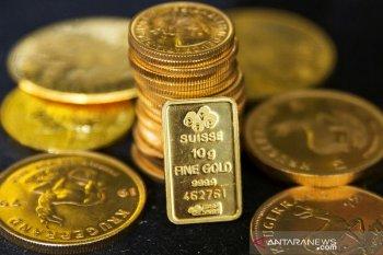 Emas naik, dolar tergelincir saat kekhawatiran virus corona berlanjut