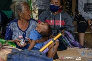 Pengungsi korban banjir bandang di Sigi