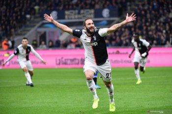 Juventus lepas Gonzalo Higuain (video)