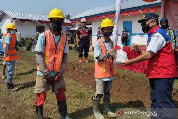 Program padat karya Kemenhub berdayakan 300-an warga bangun jalur rel ganda Bogor-Sukabumi