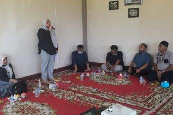 Bupati Masnah sambangi kepala SD dan SMP di obyek Wisata Alam Sepabo
