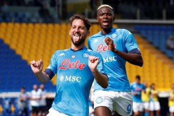 Napoli menggila dengan pesta enam gol ke gawang Genoa tanpa balas