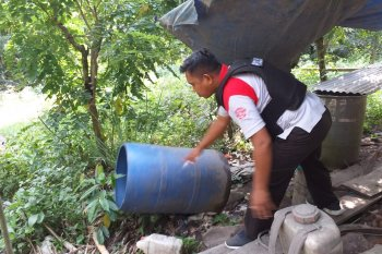Polres Halut amankan ratusan miras tradisional