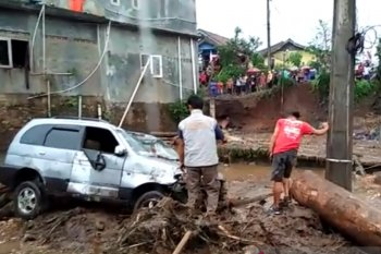 Banjir Sukabumi timbulkan dua korban meninggal dan satu hilang