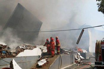 Gudang popok dan produk kecantikan di Malang terbakar, kerugian Rp25 miliar