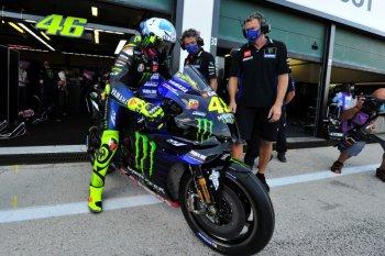 """Valentino Rossi pisah dengan """"keluarga"""" jelang pindah ke Petronas Yamaha"""